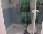 Как сделать ванную комнату просторней?