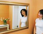 Правила ухода и размещение зеркалам