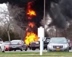 Американец во время уничтожения клопов случайно сжег 3 автомобиля