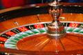 Сотрудница казино пыталась смыть выручку в унитаз