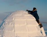 В Швейцарии предлагают отдых в доме из снега