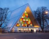 Японский архитектор построил храм из картона