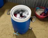 Американец представил самодельную экологичную стиральную машину