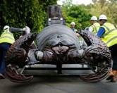 Выставка гигантских насекомых-роботов в Честере