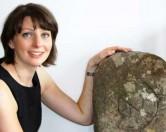 Во время генеральной уборки в гараже хозяйка нашла 1100-летнее надгробие
