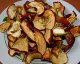 Ученый разработал метод очистки воды с использованием кожицы яблок и томатов