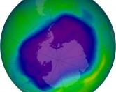 Озоновый слой продолжает уменьшаться