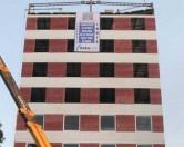 Индусы возвели 10-этажный дом за два дня без единого кирпича