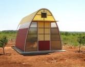 Американский дизайнер предложил жителям трущоб пластиковые дома