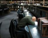Койки для сна появились в библиотеке Университета Мичигана.