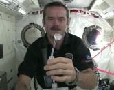 Как моют руки в космосе