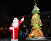 Авангардная елка на Приморском бульваре