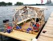 «Гордость Буффало» — плавающий дом из мусора