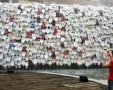 Китайские творцы создали 100-метровую башню из унитазов