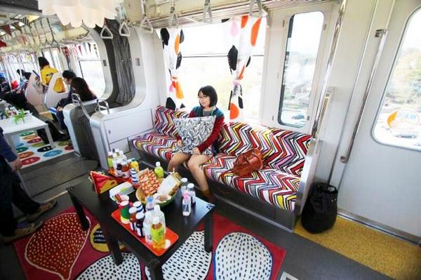 ikea-japan-train-3
