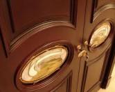 Как ухаживать за дверьми????