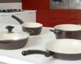 Так как же очистить керамическую сковороду?