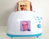 Тостеры, печатающие селфи на хлебе, появились в продаже.